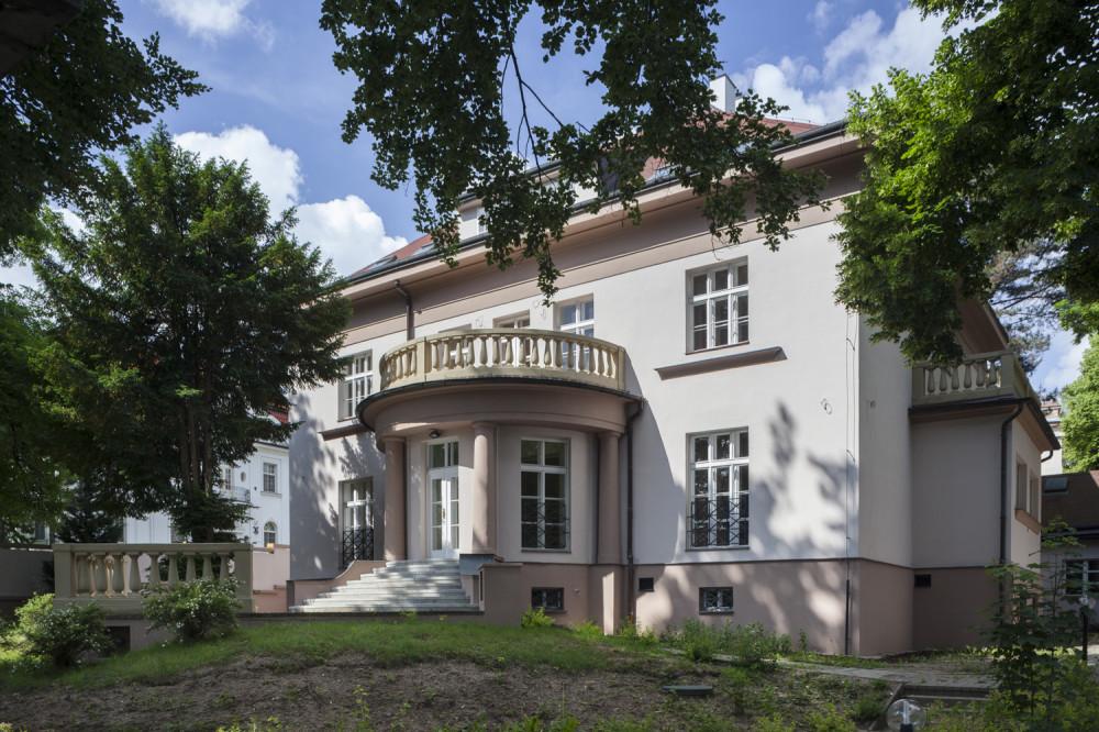 Rezidence Romaina Rollanda - rekonstrukce rezidenční vily_Arch.Design_01
