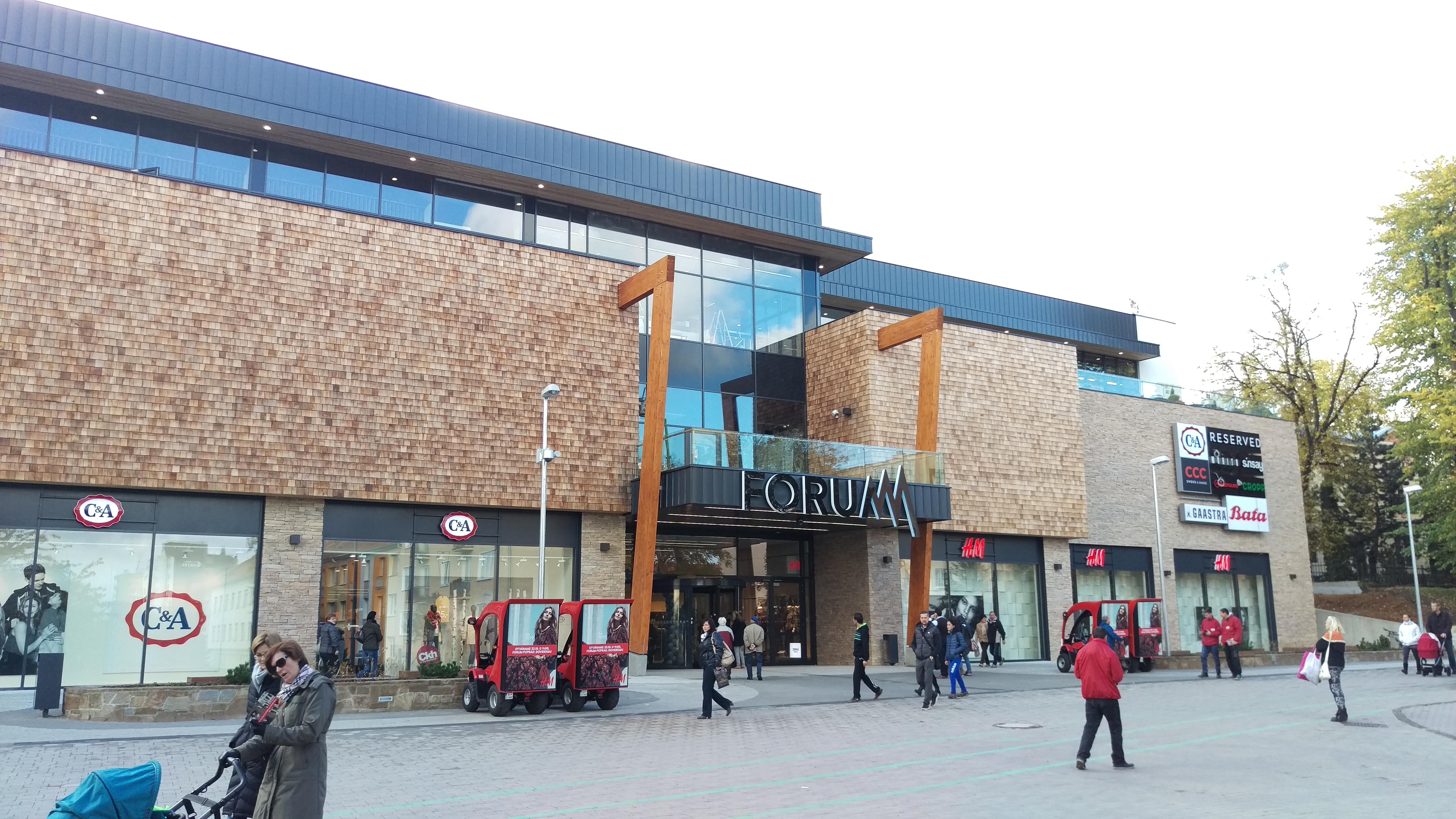 Slavnostní otevření obchodního centra FORUM Poprad - Arch.Design 41b1c2286a4